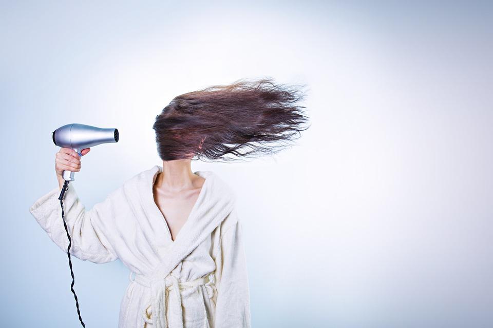 padající vlasy